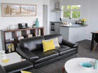 Acorns Wellington Apartment - chic on CBD fringe - Porirua vacation rentals