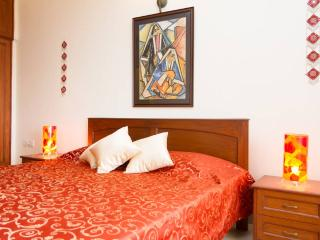 Earthen Shades  With Clifftop Sea Views - Luxury - Goa vacation rentals