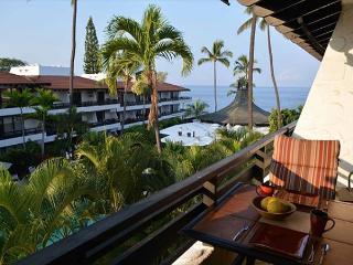 Casa de Emdeko 327- Top Floor Ocean View - AC Included! - Kailua-Kona vacation rentals