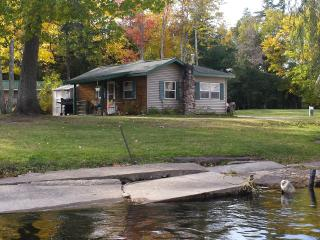 AuTrain River Cottage near Pictured Rocks 2Bedroom - Munising vacation rentals