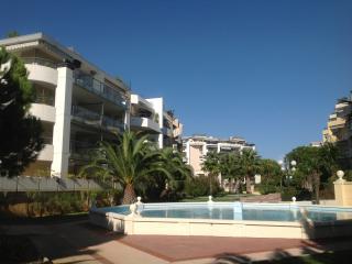 Le Rialto Studio - Cagnes-sur-Mer vacation rentals