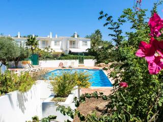 Villa Nana - Quinta dos Alamos - An Adorable Place to spend Family Holidays - Guia vacation rentals