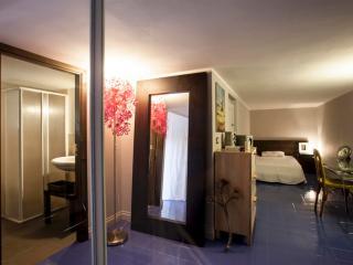 F2|FK Deisgn flat in a condo - Catania vacation rentals