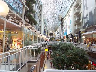 Toronto Eatons Centre 2 Bedroom Modern Apartment - Ontario vacation rentals