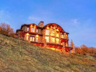 Luxurious Mountain Retreat with Great Views, Hot Tub, Sauna & Heated Deck - Deer Valley vacation rentals