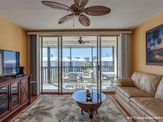 Hibiscus Pointe 342, Canal View, Elevator, Heated Pool - Fort Myers Beach vacation rentals