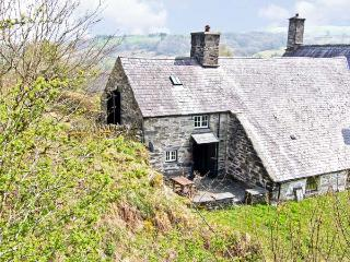 LITTLE BENAR, pet-friendly, character holiday cottage with a garden, near Penmachno, Ref. 918079 - Penmachno vacation rentals