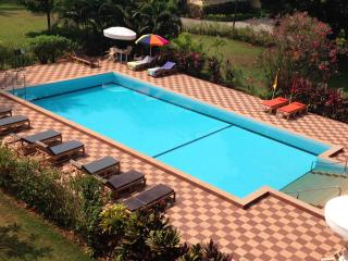 Regal Park Luxury 2BHK Apartment + Wi-Fi Candolim - Candolim vacation rentals