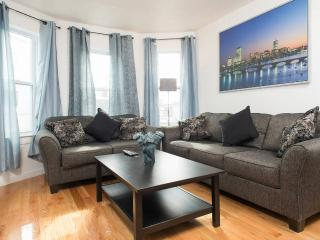 3 Bedroom 1 Bathroom Subway South End Alternative - Boston vacation rentals