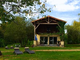 The Lake Cottage in Gascony - LaTourGites - Creon-d'Armagnac vacation rentals