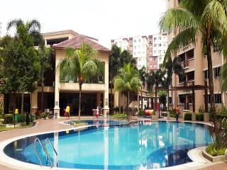 3 Bedrooms Condo: Near LRT & Commuter - Kuala Lumpur vacation rentals