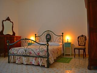 BED AND BREAKFAST VISTA SULLE CUPOLE  DEL CARMINE - Oristano vacation rentals