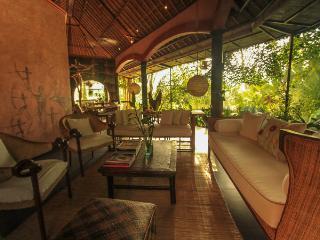 An Artist Retreat in Ubud, Bali: Rumah Tamu - Ubud vacation rentals