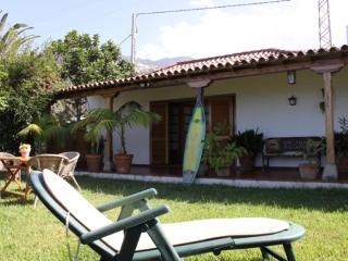 Corner House near the beach, 3 Bedrooms House Corner, beach & country house, 3 bedrooms - Puerto de la Cruz vacation rentals