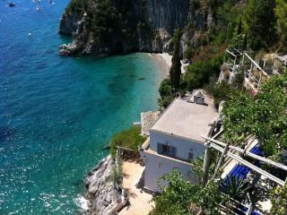 Villa Il Gabbiano - Maiori vacation rentals