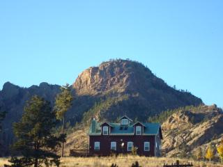 BELL ROCK RETREAT PIKES PEAK VIEW PIKE NL FOREST - Glenwood Springs vacation rentals