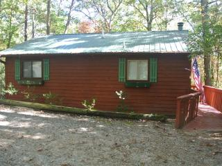 Whispering Creek - 2 bedroom, 2 private bathrooms, - Helen vacation rentals