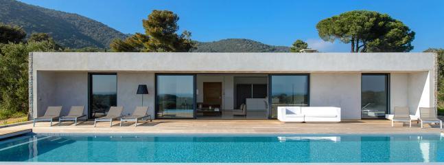 Modern luxury villa in Porto Vecchio, Corse, 8 p. - Porto-Vecchio vacation rentals