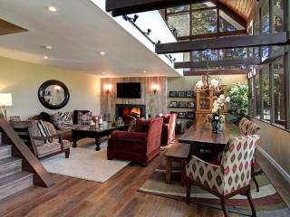 LUXURY MOUNTAIN CABIN 5 MINUTE WALK TO VILLAGE - Lake Arrowhead vacation rentals