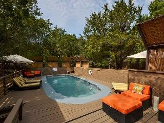 6BR Luxury Estate, Two Separate Apartments, Pool, Hot Tub, Sleeps 14 - Austin vacation rentals