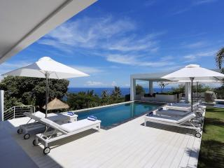 Top Luxury 5 bedrooms Villa with 3 Pool in Lombok - Senggigi vacation rentals