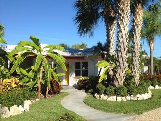 Orange Blossom Cottage-2 Heated Pools-Clwtr Beach! - Clearwater vacation rentals