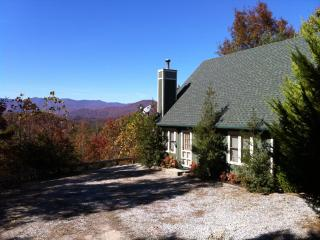 Awe Inspiring Mountain Views - Vista Point Cabin - Bryson City vacation rentals