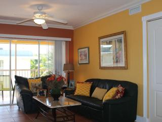 Key Biscayne Charming Apartment Steps From  Beach - Key Biscayne vacation rentals
