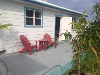 Spanish Wells Cottage two minutes walk to beach - Eleuthera vacation rentals