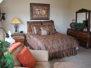 Classy Ground Floor 3 Bedroom Condo at Las Palmas with Great Views - Saint George vacation rentals