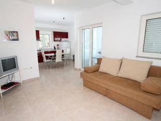 Apartment LaVi - Mandre vacation rentals