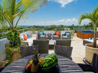Via 38 Laguna - Penthouse near beach with 83 ft long pool, gym & great location - Playa del Carmen vacation rentals
