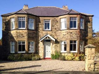 GREYCROFT, spacious family house, close pub, near coast, in Christon Bank Ref 21807 - Eglingham vacation rentals