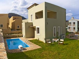 Ideal for family - Kefalas vacation rentals