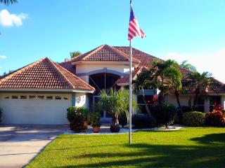 Luxurious 4 Bed/3 Bath Lakefront Vacation Rental Villa in Cape Coral, Florida - Cape Coral vacation rentals