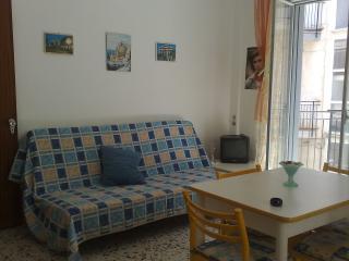 Semplice ma comodo monovano - Cefalu vacation rentals
