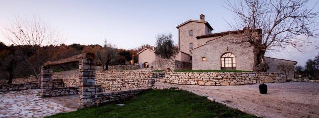 Charming property in the Italian countryside, 17p. - Arezzo vacation rentals