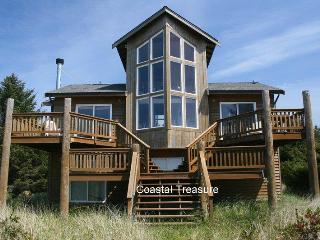 Beautiful one of a kind ocean front home - Ocean Shores vacation rentals