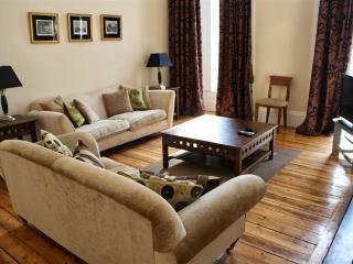 Stunning Apartment in Central Edinburgh - Edinburgh & Lothians vacation rentals