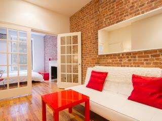 UPPER EAST: Luxurious 2 Bedrooms / 1.5 Baths - New York City vacation rentals