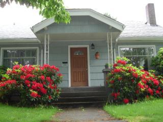 1922 Portland, Oregon Cottage For Subrent - Portland Metro vacation rentals