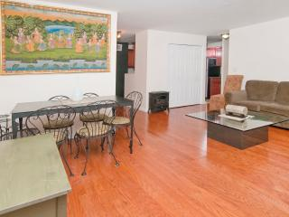 Nice 3 bedroom 1bath mins to Times Square - Westchester County vacation rentals