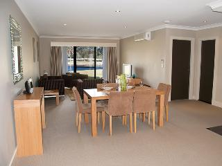 Jewel in the Crowne - Hunter Valley vacation rentals
