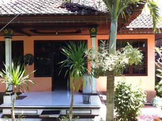 'Casa Ola ~ Uluwatu Holiday Rental' - Pecatu vacation rentals