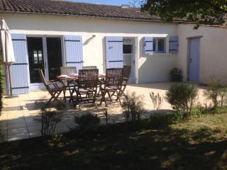 Deceptively Spacious Cottage - Saint-Romain-de-Benet vacation rentals