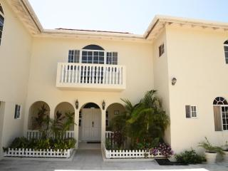 Luxurious - Retreat Guest House - Falmouth vacation rentals