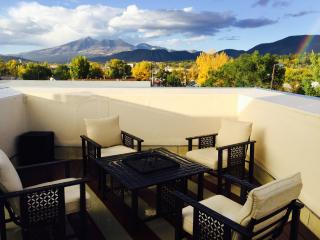 The Sky Deck! Next to NAU & Downtown - Parks vacation rentals