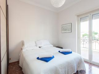 FL3 Gemelli guest house - Rome vacation rentals