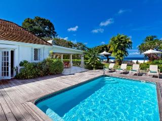 Classic, 4 bedroom beachfront villa with beautiful sunsets, with swimming pool and ocean views - Gibbes vacation rentals
