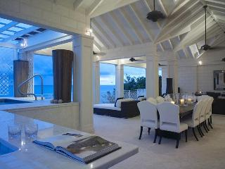 Luxury 4 bedroom apartment, communal swimming and plunge pools - Paynes Bay vacation rentals